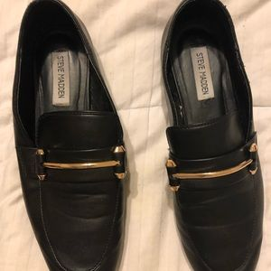 Black leather Steve Madden loafers